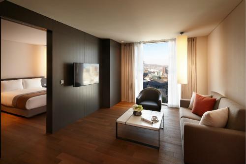 Shilla Stay Guro_Grand Room_meitu_1.jpg