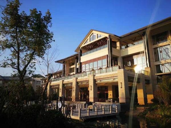 酒店外观_meitu_1.jpg