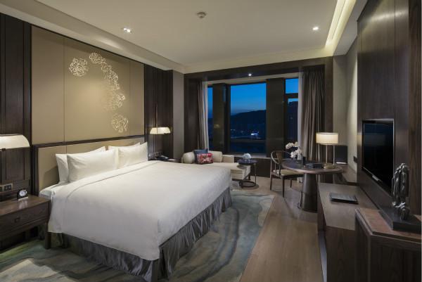room_meitu_1.jpg