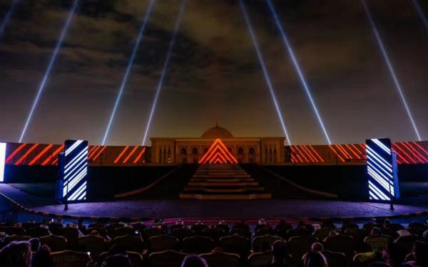 开幕式当晚,苏丹__阿尔__卡西米博士海湾研究中心现场灯光秀2_meitu_1.jpg