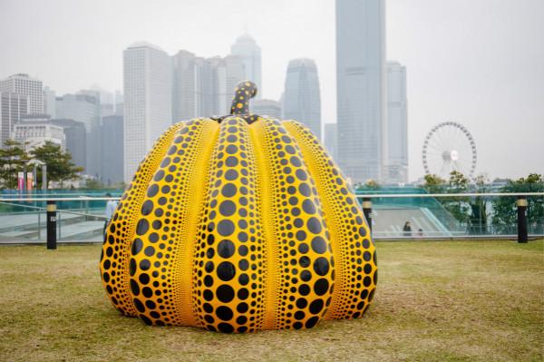 Harbour Arts Sculpture Park 2018, Installation view of Pumpkin big, 2008..._meitu_3.jpg