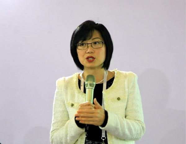 泰国会展局高级副总裁Nichapa Yoswee女士_meitu_1.jpg