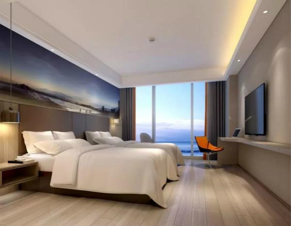 酒店拥有204间各式客房,每个房间均安装法式落地窗_meitu_2.jpg
