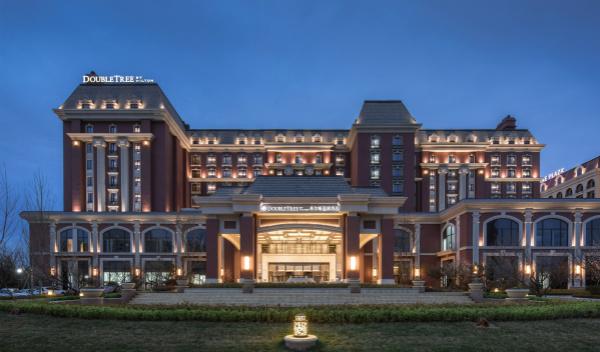 希尔顿集团喜迎青岛西海岸首家希尔顿逸林酒店_meitu_1.jpg