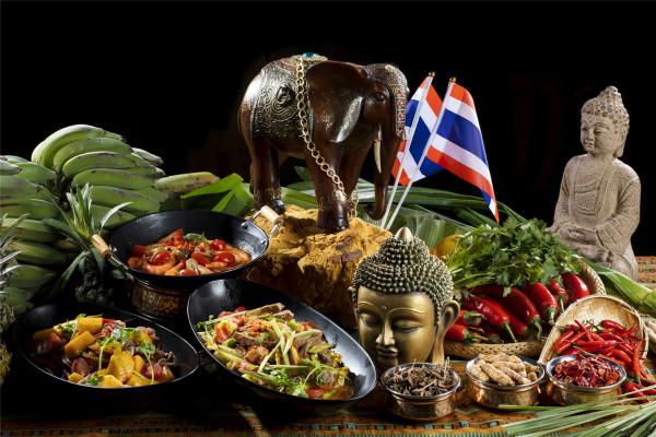山海天万豪酒店贡厨餐厅开启泰国美食节_meitu_1.jpg