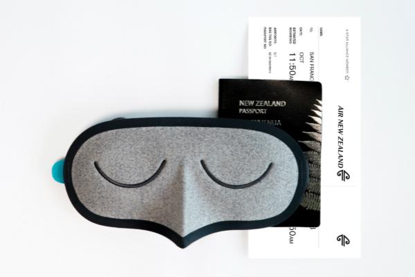 新西兰航空与Allbirds推出联名限量款眼罩 Bird Mask_meitu_2.jpg