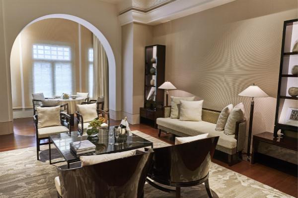 新加坡首都凯宾斯基酒店传统套房客厅_meitu_1.jpg