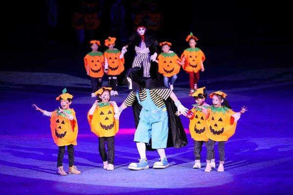 """广州长隆国际大马戏首个""""马戏万圣周""""惊萌开启。"""
