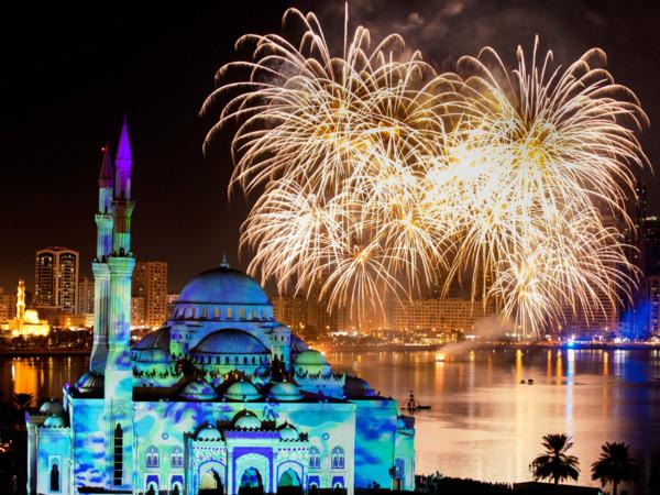 图3灯光节下的阿尔诺尔清真寺_meitu_2.jpg