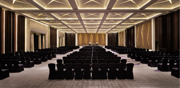 JW Marriott Hotel Shenzhen Bao'an-Grand Ballroom with Theatre setup_meitu_1.jpg