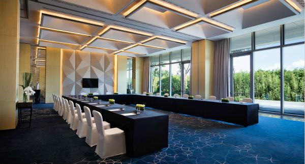 Meeting Room-U shape_meitu_2.jpg