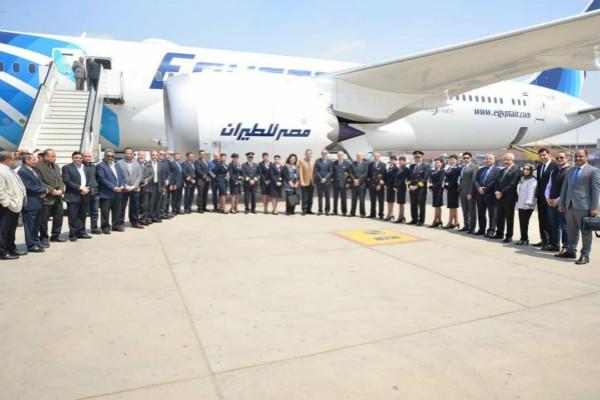 埃及航空迎来第二架波音787梦想客机_meitu_1.jpg