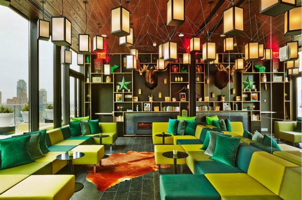 美国纽约时代广场citizenM酒店的屋顶酒吧现已成为纽约城中热门的聚会之所_meitu_5.jpg