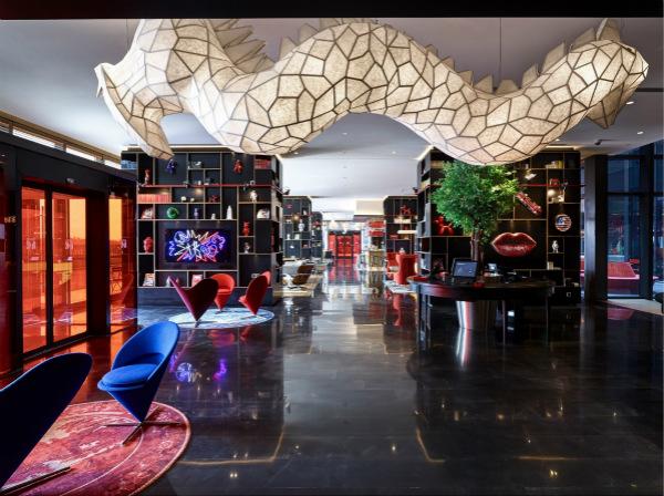 """citizenM上海虹桥酒店设计精美的""""起居室""""为客人带来轻松自在的""""居家感""""_meitu_3.jpg"""