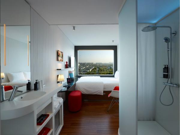 citizenM 上海虹桥酒店客房为客人带来领先的新型奢华生活方式体验_meitu_1.jpg
