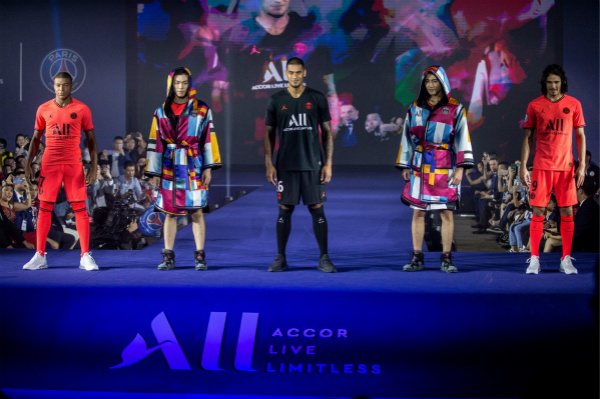 PSG 2019 China Tour - Fashion Show_meitu_1.jpg