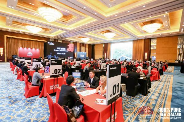 来自大中华区的各大旅行社代表、旅游产品供应商等进行面对面洽谈_meitu_2.jpg