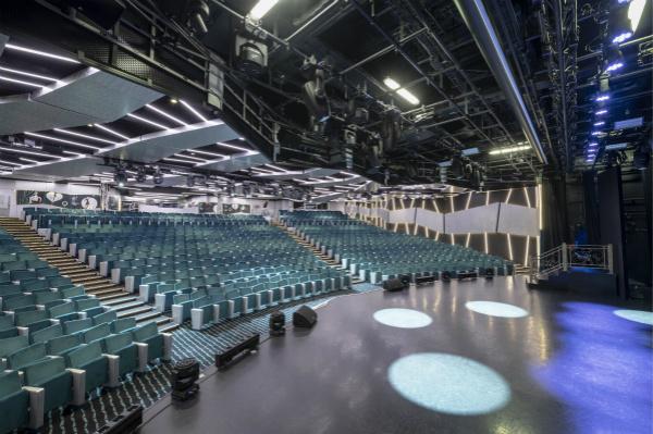 图二:伦敦大剧院将成为宾客们一展歌喉的舞台_meitu_2.jpg