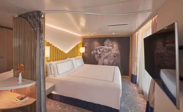 探索梦号拥有超过40间宽敞豪华套房
