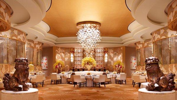 """永利皇宫旗下高级餐厅 -- 川江月获选为全球""""年度餐厅"""",是《福布斯旅游指南》首次颁发此最高殊荣。"""