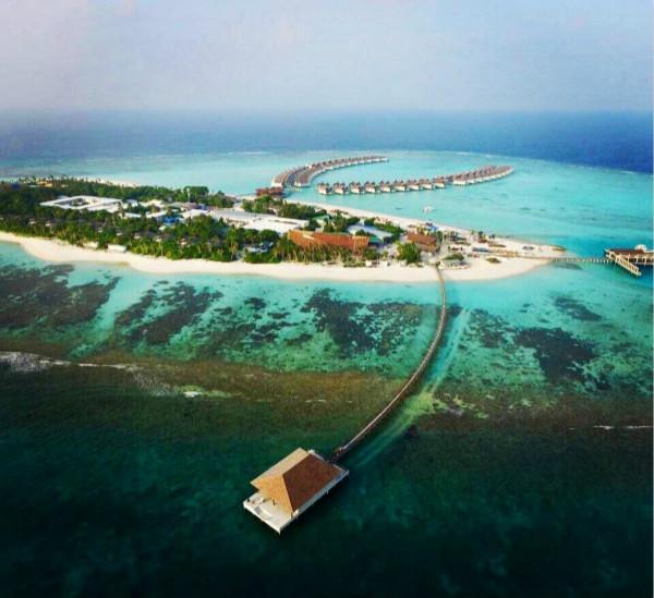 Movenpick Resort Kuredhivaru Maldives  - Aerial View - B_meitu_1.jpg