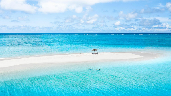 Royal-Davui-Island-Resort-Fiji-Sand-Cay-7_meitu_1.jpg
