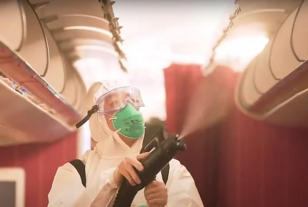 香港航空--雾化技术消毒机舱
