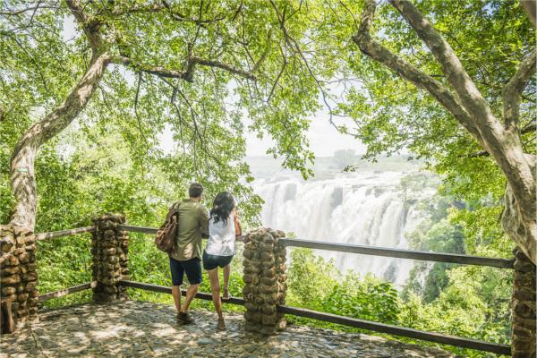 Avani Victoria Falls Resort - Falls View_meitu_2.jpg