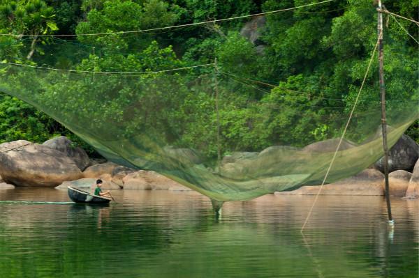 漁民們運用兼顧可持續發展與傳統的方式進行捕魚_meitu_1.jpg