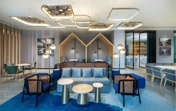 全新版希尔顿花园酒店餐厅_meitu_1.jpg