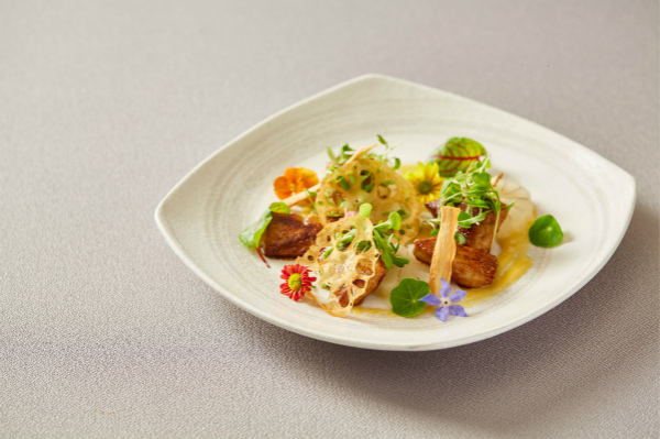 鹅肝和萝卜配西京味噌 Grilled Foie Gras, Miso and Radish_meitu_4.jpg