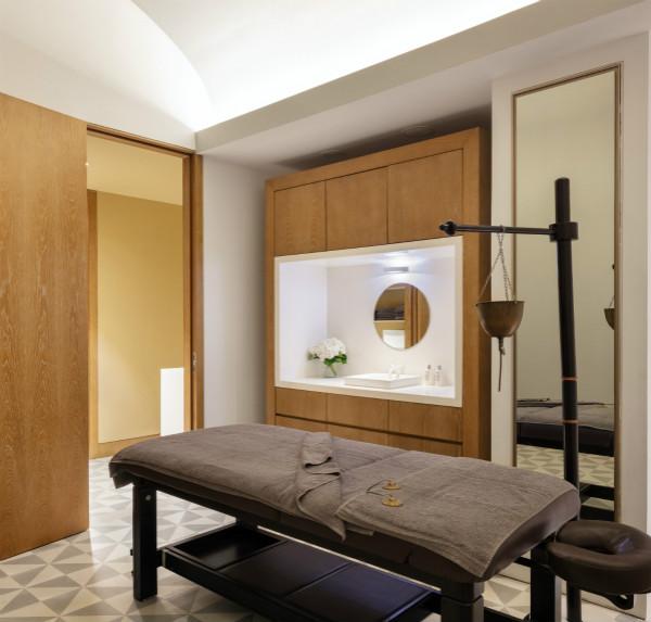 SPA TREATMENTS - AYERVEDIC ROOM_meitu_1.jpg