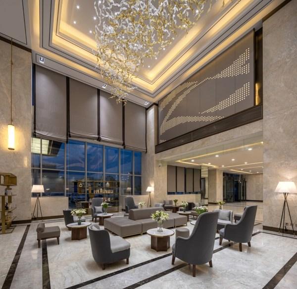 日间流连梨花林,晚间下榻高居梨城携程点评榜首的库尔勒万达锦华酒店,回味梨香,感受宾至如归的旅居体验。