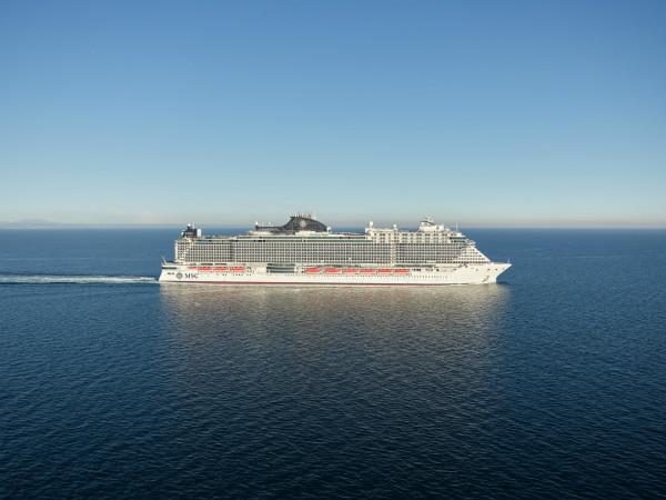 图2:MSC地中海邮轮最新旗舰MSC地中海海际线号_meitu_3.jpg