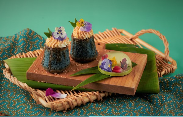 新加坡旅游局 x ABC Cooking Studio 推出创新狮城甜点蝶豆花椰米蛋糕和斑斓琉璃花心冻