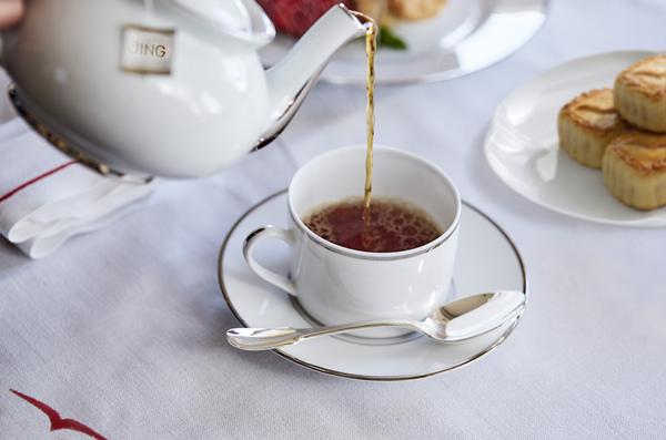 Tea on board_副本.jpg