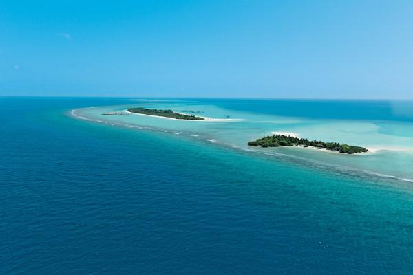 卡努呼拉岛六善酒店,坐落于拉薇亚妮环礁Aerial_View_Kanuhura_LR_副本.jpg