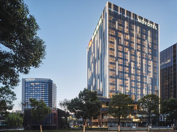 上海卓越诺富特 & 铂尔曼大酒店Novotel SH Qingpu Excellence (& Pullman SH QP)_副本.jpg