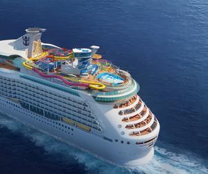 """皇家加勒比""""海洋领航者号""""以全新设施开启超凡度假体验"""