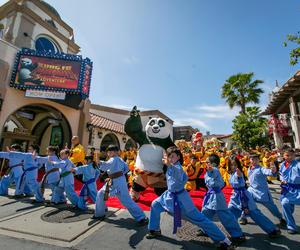 """好莱坞环球影城隆重庆祝梦工厂剧院开幕 倾情呈献""""功夫熊猫:帝王任务"""""""