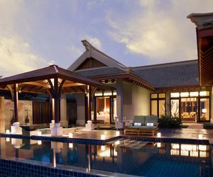 金茂三亚亚龙湾丽思卡尔顿酒店推出十周年专属礼遇