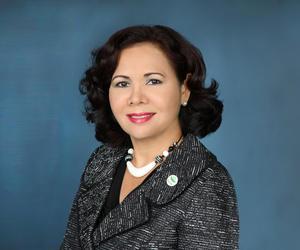 赖碧娜女士就任关岛观光局总裁及首席执行官