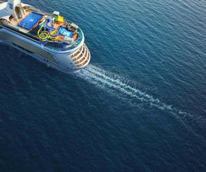 """全新升级的""""海洋自由号""""将推出新奇刺激的跳岛游项目"""