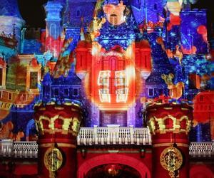 上海迪士尼度假区邀游客与米奇米妮共贺鼠年新春