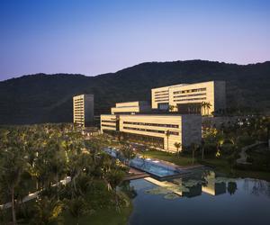 三亚太阳湾柏悦酒店携手梅赛德斯-奔驰 打造奢享度假体验
