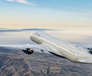 達美航空采取鎖定中間座位、暫時取消尊爵會會員自動升艙等多項舉措,保持機上的社交距離