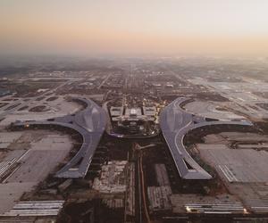 天府國際機場展翅待飛  成都東部新區雙千發布會舉行