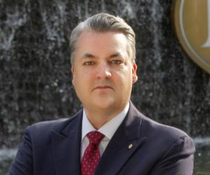国家会展中心上海洲际酒店任命贺纪斯为酒店总经理