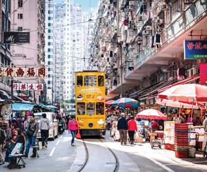乘坐叮叮车 打卡香港慢生活